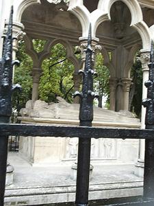 Sepulcro de Abelardo y Eloísa en París